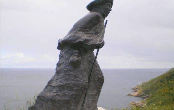 Pilgerdenkmal auf dem Weg zum Kap Finisterre