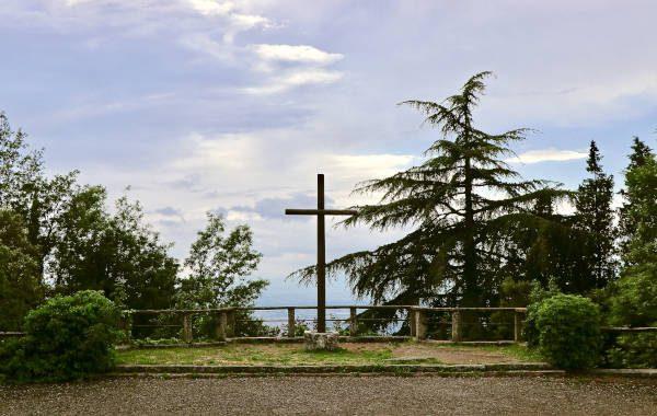 Ein Kreuz am Franziskusweg