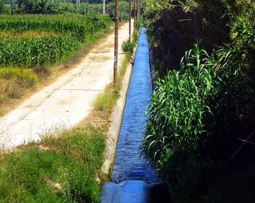 Bewässerungskanal für die Landwirtschaft.
