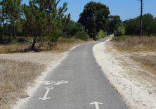 Seltenheit in Portugal: Ein (fast gerader) Fahradweg