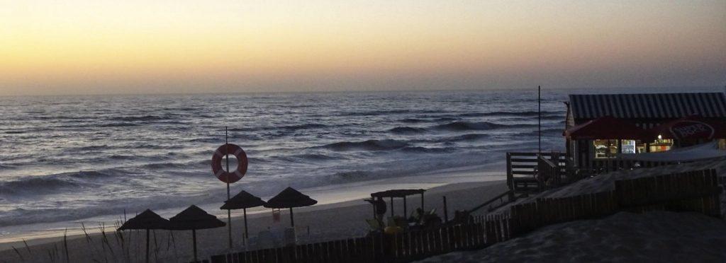 Abendstimmung am Strand von Praia de Mira.