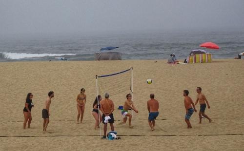 Auch gut: Morgensport im Sand.