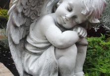 Engel auf dem Friedhof in Stötten