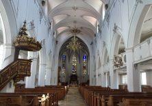Es gibt auch schlichte Kirchen in Bayern.
