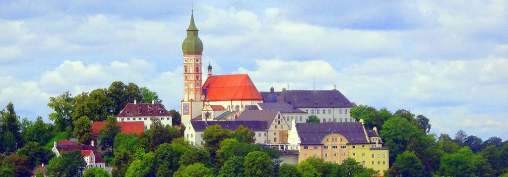 Blick auf Kloster Andechs